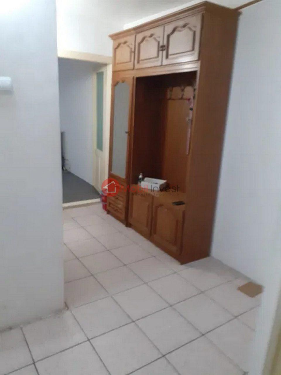 Apartament 3 camere, 2 bai, zona Stadion